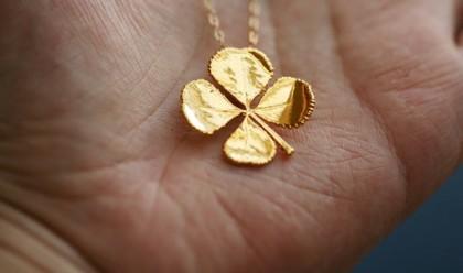 4-листный золотой клевер