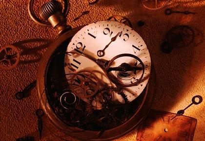 разбитые карманные часы