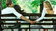 любовница держит парня за руку