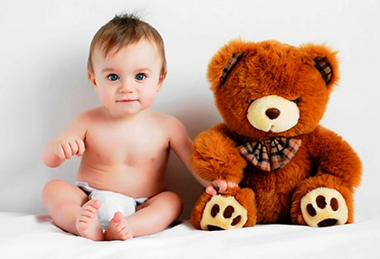mladenets-s-medvedem