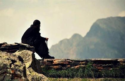 монах отшельник