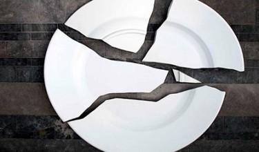 Примета – разбить посуду