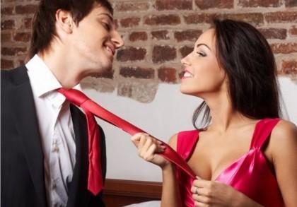 девушка соблазняет парня