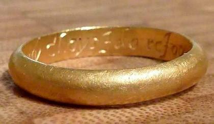 Приметы: найти крестик, обручальное кольцо, ключ, подкову или пуговицу